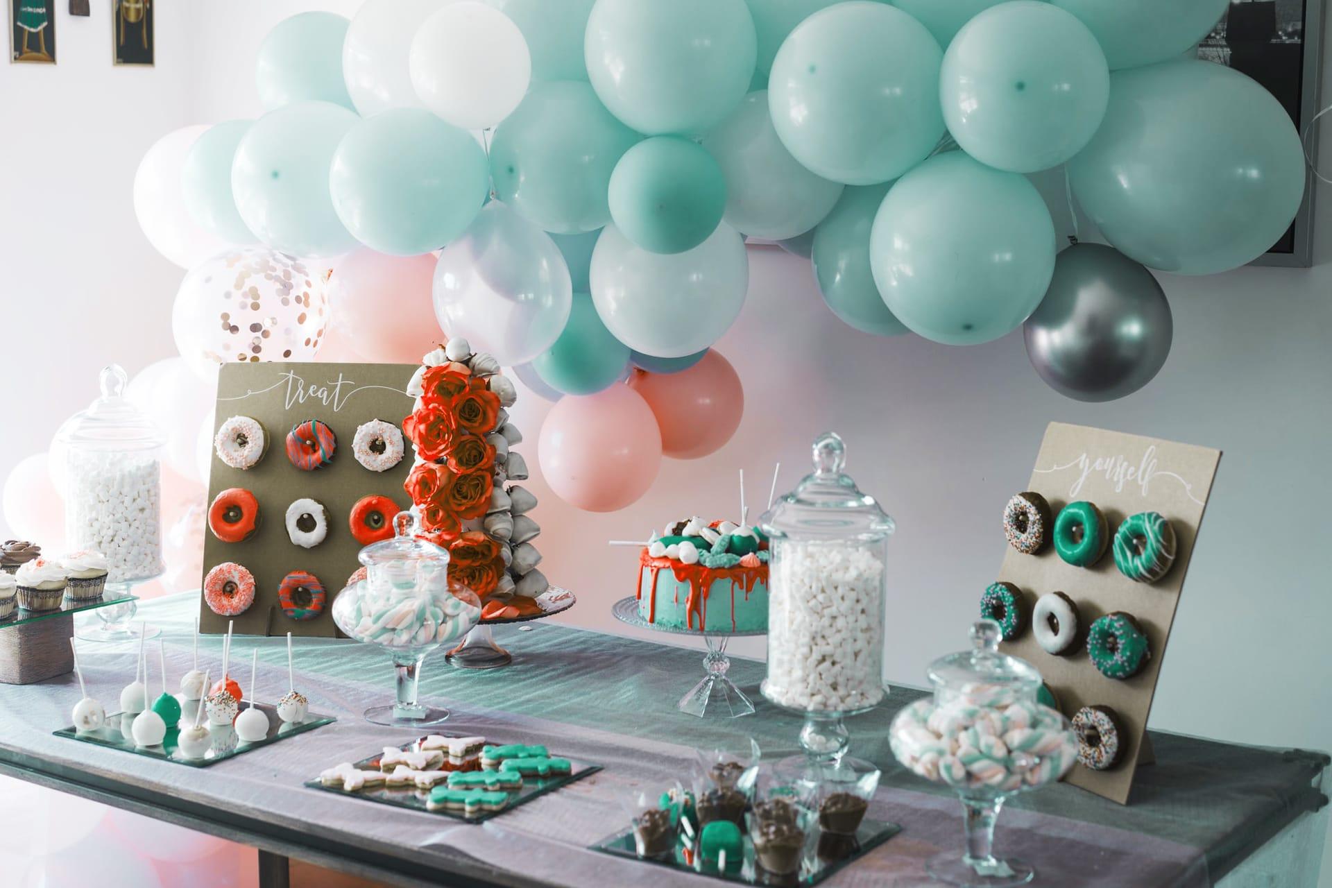 VW Bus T1 mieten Oldtimer Ausflug Gutschein Luftballons Geburtstag Dekoration Überraschung