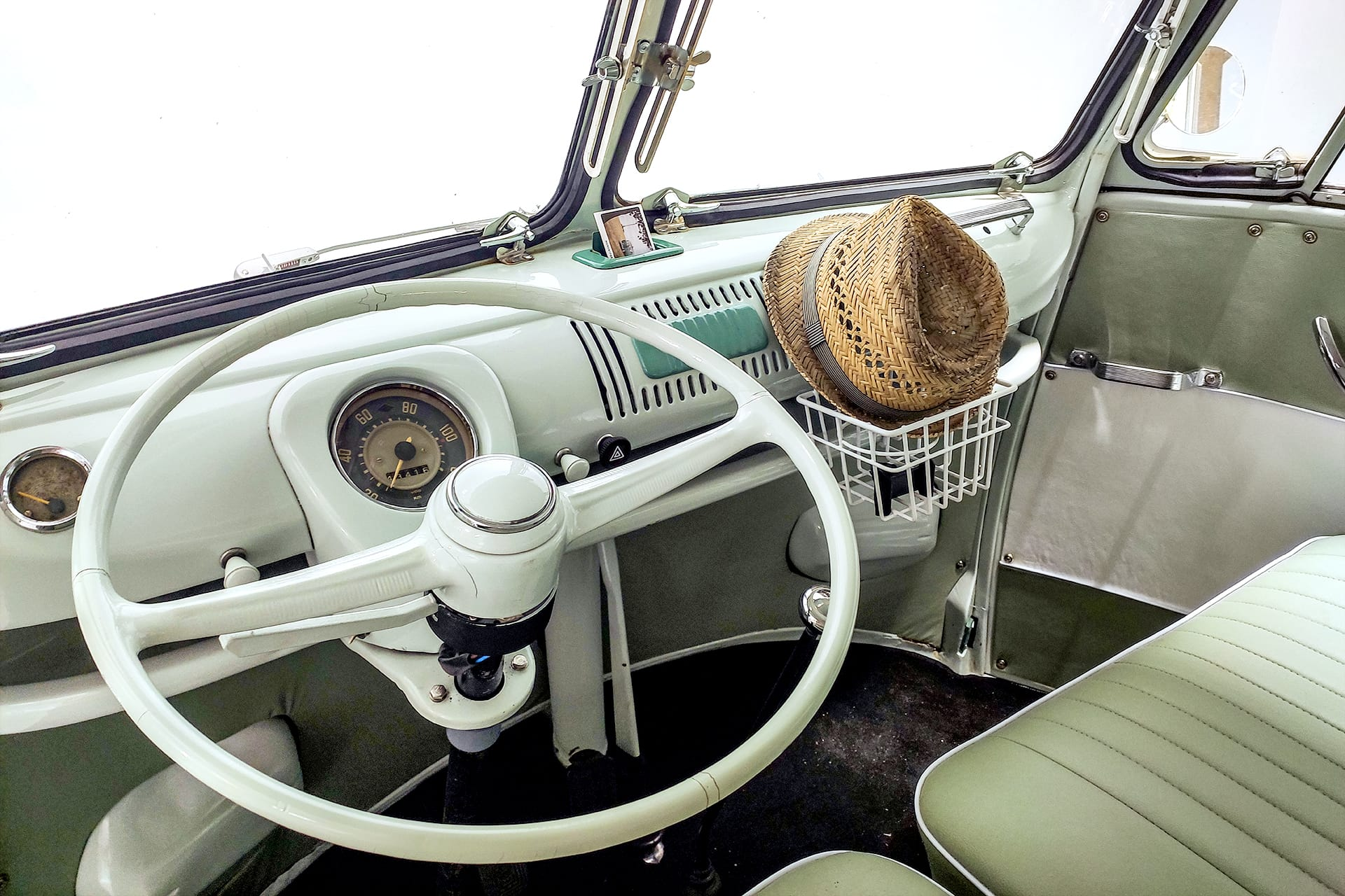 VW T1 Bulli Innenraum Lenkrad Getränkehalterung Leder Fahrersitz